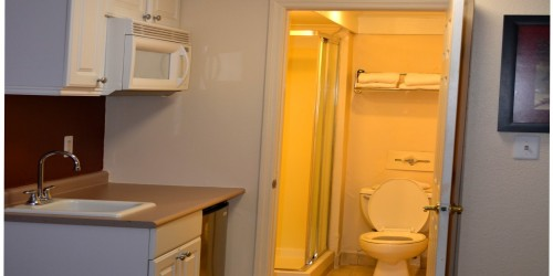 Deluxe Room, 2 Double Beds, Non-Smoking, Kitchenette - Bathroom