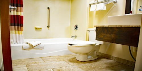 2 Queens Beds - Bathroom