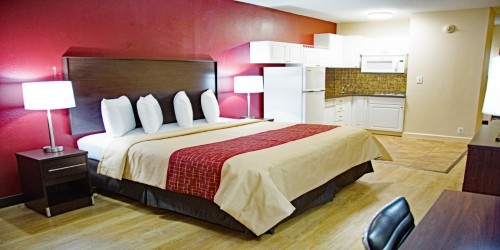 Deluxe Room, 1 King Bed with Kitchenette